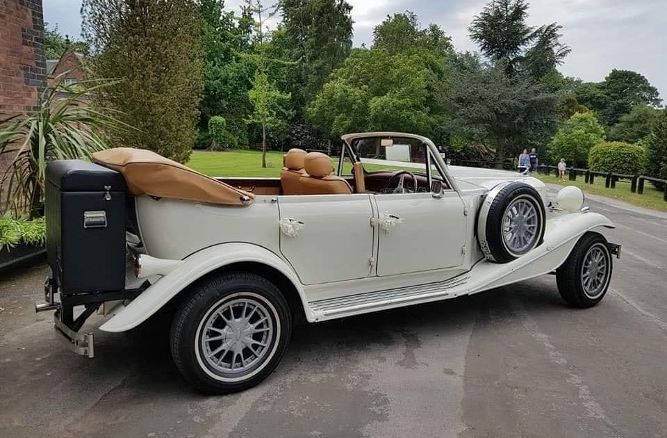 Vintage-Wedding-Car-Somerset-Travel-Compamy